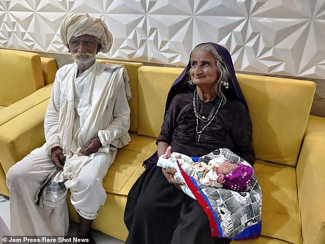Հնդկաստանում 70-ամյա կինն ու 75-ամյա ամուսինն առաջին անգամ ծնող են դարձել